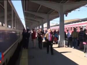 Peste 40 de trenuri au intarzieri, in urma protestului de ieri. Negocierile cu sindicatele continua la sediul CFR Calatori