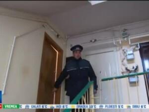 O femeie de 66 de ani a fost gasita moarta in apartament, dupa ce s-ar fi sinucis. Singuratatea te omoara