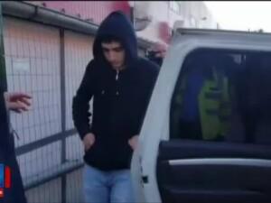 Soferul care a intrat cu BMW-ul intr-un grup de oameni cercetat pentru ucidere din culpa. Martorii spun ca facea drifturi