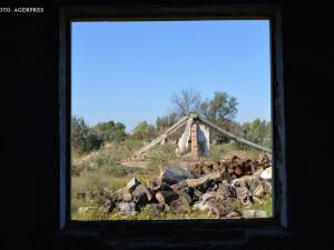 Ruinele lagarului de detinuti politici de la Periprava din Delta Dunarii.