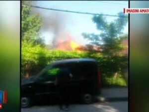 O explozie puternica urmata de un incendiu violent a speriat mai multi oameni in Capitala. De la ce a plecat totul