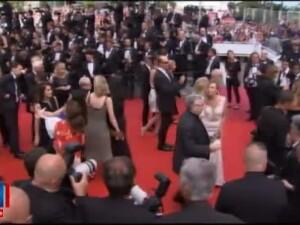 Festivalul de la Cannes: Cum au aparut vedetele pe covorul rosu. Cristian Mungiu, printre invitati
