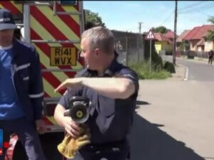 15 masini ale pompierilor din Marea Britanie, scoase din uz, au ajuns in Targu Mures: Avem mare nevoie de ele