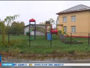 Asistent maternal din Dambovita, acuzat ca a abuzat sexual o fetia de patru ani. Copila a ajuns la psiholog