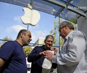 Tim Cook la sediul Apple