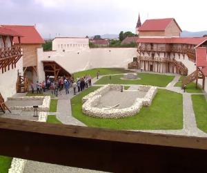 Cetatea_Feldioara