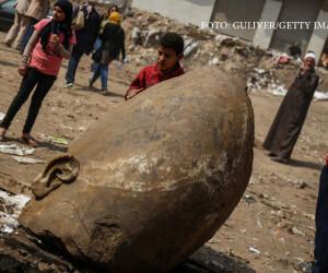 statuie a lui Ramses gasita in Cairo
