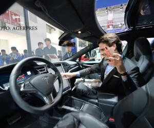 Tesla prezentata la salonul auto de la beijing