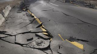 sosea distrusa cutremur