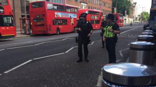POLITIE, LONDRA, ALERTA DE SECURITATE