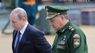 Vladimir Putin si Serghei Shoigu