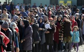 migranti, agerpres