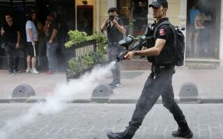 Violente la Marsul Gay Pride din Istanbul - 6