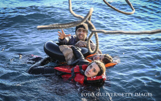 migranti salvati de paza de coasta din Turcia