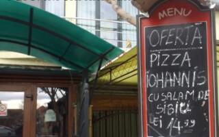 pizza Iohannis cu salam de Sibiu