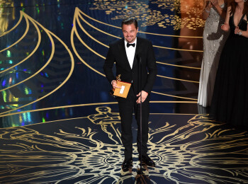 Zvon: DiCaprio a mai castigat un Oscar :) Actorul a cucerit inca un model Victorias Secret
