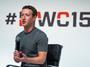 Decizii, decizii :) Cum arata dulapul de haine al omului cu o avere de 46 miliarde de dolari: