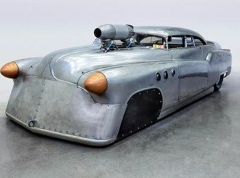 Aceasta masina din 1952 care detine un record incredibil de viteza tocmai a fost scoasa la vanzare! Care este pretul