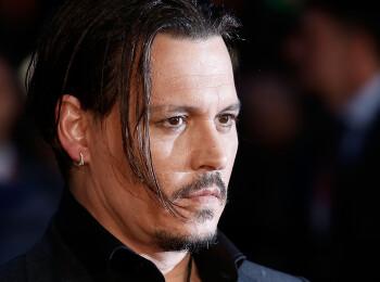 Secretul nebanuit al lui Johnny Depp! Ce face de fiecare data cand apare intr-un film
