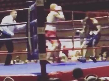 Un boxer a debutat in ring cu KO care a trimis adversarul in afara ringului