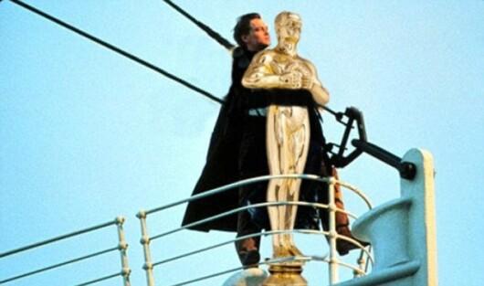 Nu e gluma: DiCaprio a castigat in sfarsit Oscarul. Cele mai tari poante aparute pe internet :)