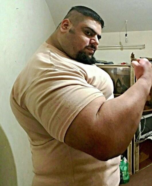 Incredibilul Hulk exista cu adevarat. Un iranian de 150 de kilograme socheaza cu fizicul sau