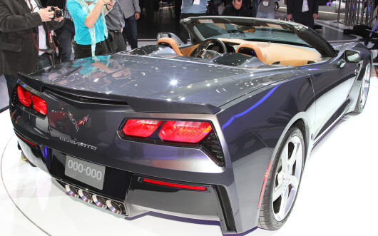 Chevrolet Corvette Stingray Convertible - 10