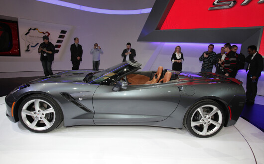 Chevrolet Corvette Stingray Convertible - 12