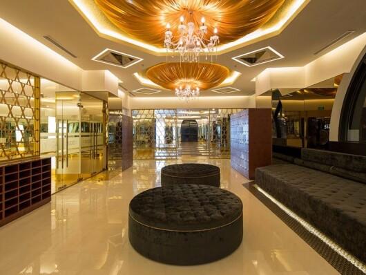 Sala de fitness si sau palat? Cum arata cel mai luxos complex de fitness si spa din lume: abonamentul costa 24.000$ pe an