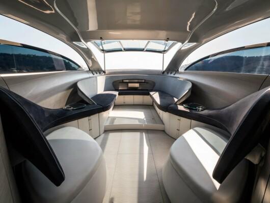 Mercedes a creat un yacht de lux pe care doar 10 oameni din lume il pot cumpara! Cat costa aceasta bijuterie - 8