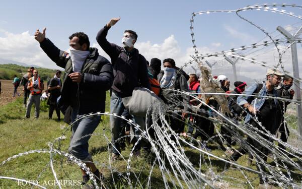 ciocniri intre refugiati si politia macedoneana la Idomeni