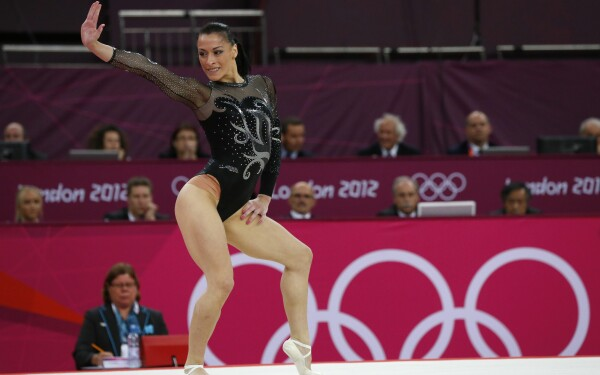 Catalina  Ponor - Page 4 60600644