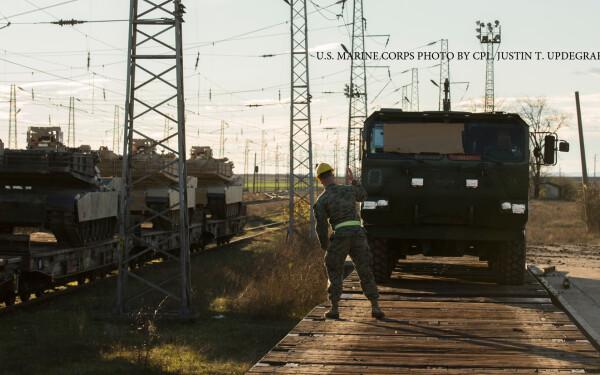 echipament militar american transportat in Romania