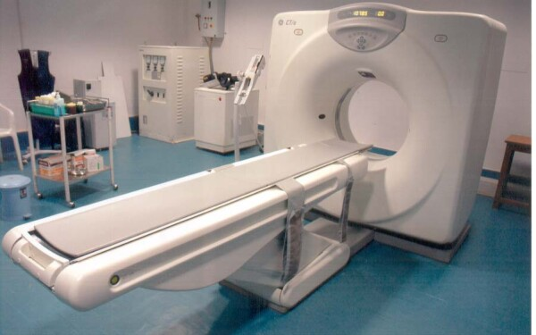 Tomograf