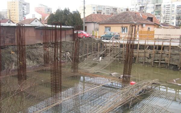 fundatie bloc, arad