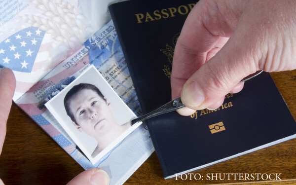 falsificare acte de identitate