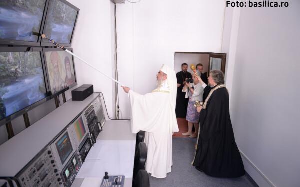 Patriarhul sfinteste studioul TRINITAS TV