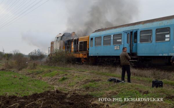 tren CFR, locomotiva in flacari