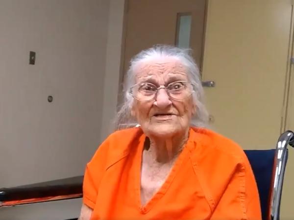 Batrana de 93 de ani