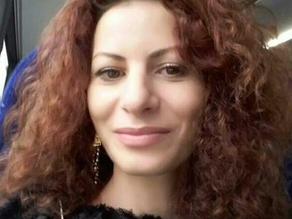 Oana Vasiliu, Facebook