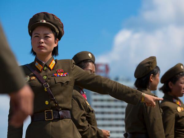 Femeile din armata nord-coreeană