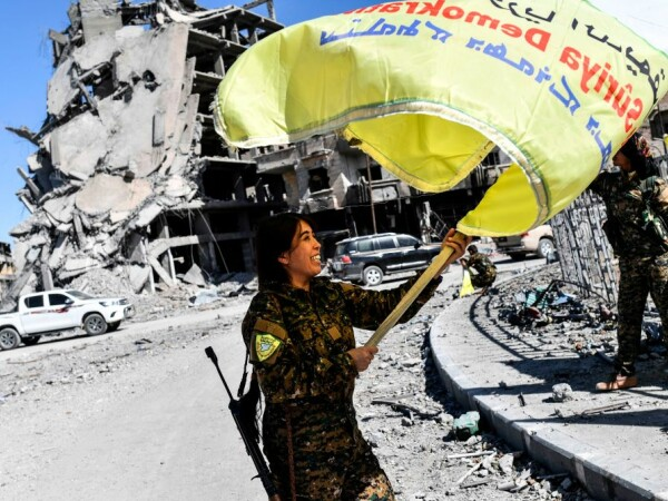 comandantul kurd Rojda Felat in Raqqa
