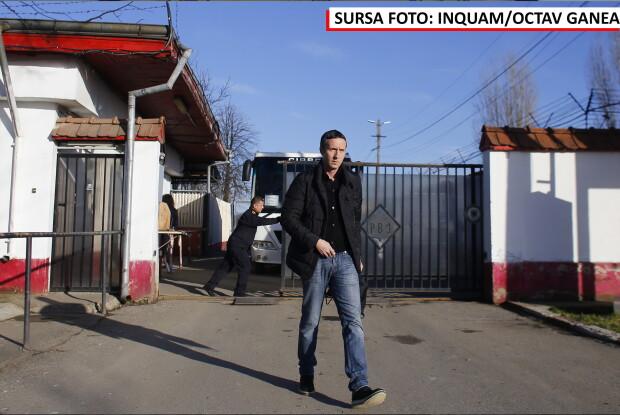 Mihai Stoica, la iesire din inchisoare