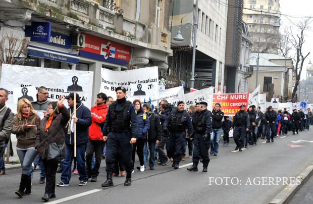 Mars de protest impotriva abuzului bancilor si pentru sustinerea Legii Darii in plata, organizat in Capitala