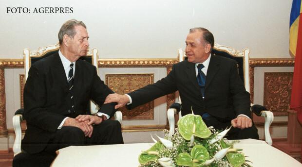 Primirea de catre presedintele Romaniei, Ion Iliescu a fostului suveran Mihai I si a familiei acestuia, 19 mai 2001