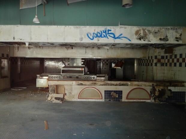 restaurant in paragina