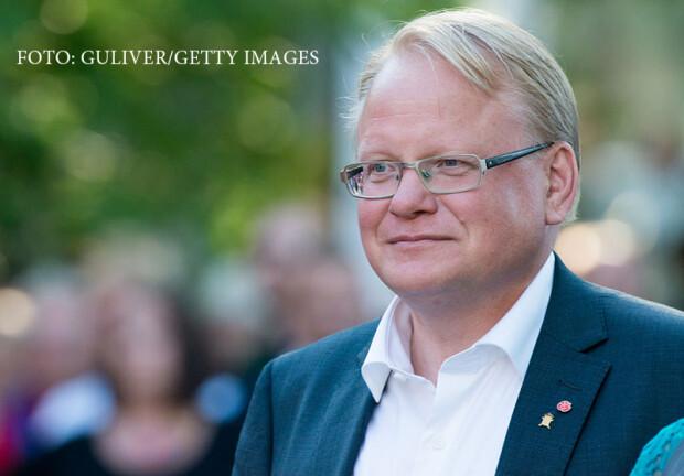 Peter Hultqvist, ministrul Apararii din Suedia