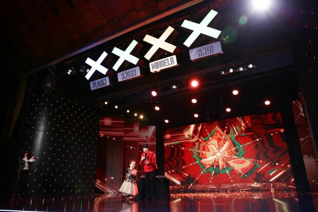 Lorelai Mosnegutu pe scena la Romanii au Talent