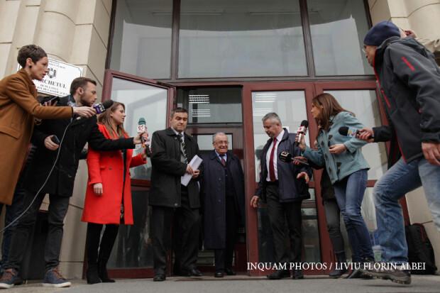 Ion Iliescu iese de la parchetul general unde a fost audiat in Dosarul Revolutiei