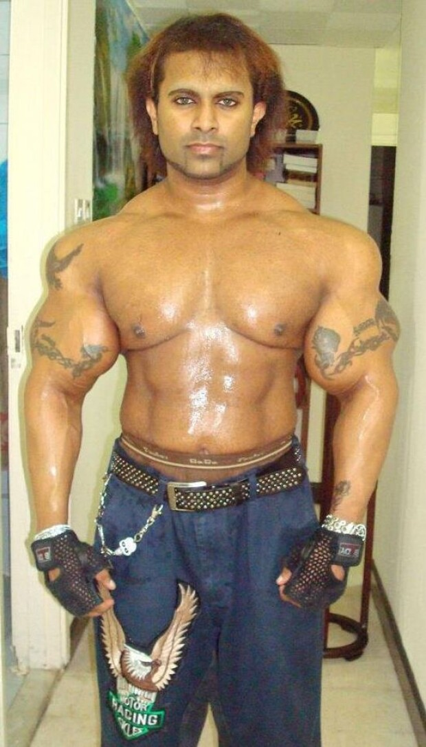Look at these synthol freaks haha (PIC) : Page 3